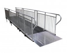 4' x 4' Diamond Plate Starter Ramp - Side View