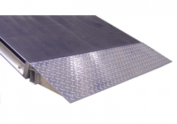 1ft x 4ft Diamond Plate Starter Ramp Side View