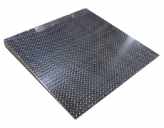 4'x4' Diamond Plate Starter Ramp