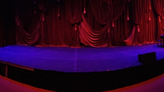 Curved Stage