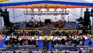 60ft x 32ft Main Stage at Sea World Orlando By Light Action